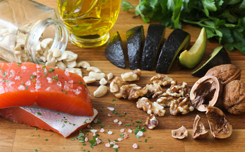 An anti-inflammatory diet may ease your back pain.