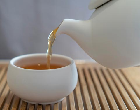 There are many potential benefits of consuming oolong tea.