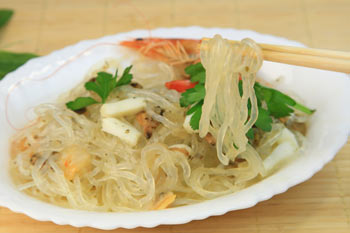 Shirataki noodles are made with glucomannan.