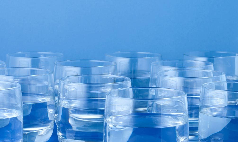 Learn these seven signs that tell you to drink more.